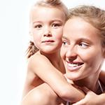 Biztonságos napozás a legjobb gyógyszertári fényvédőkkal.